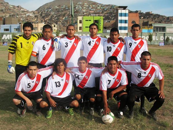 REAL AROMITO. Tercer lugar en la Liga Distrital del Rímac. (Foto: José Salcedo / DeChalaca.com)