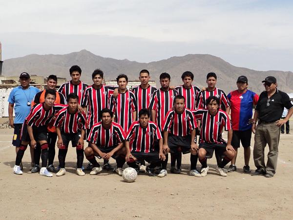 ATLETICO CAJAMARQUILLA. Tercer lugar de la Liga Intradistrital de Canto Grande. (Foto: Aldo Ramírez / DeChalaca.com)