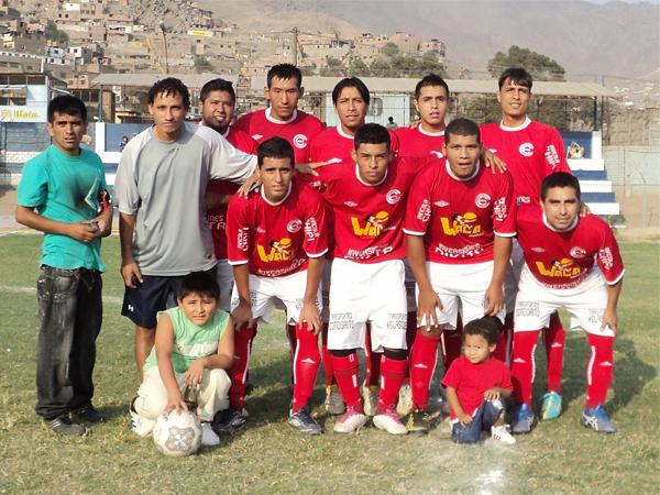 CULTURAL ESTUDIANTES. Campeón de la Liga Distrital de Independencia. (Foto: Aldo Ramírez / DeChalaca.com)