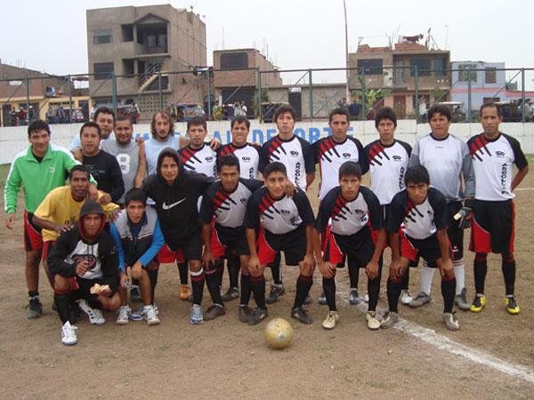LA ARGOLLA FC. Subcampeón de la Liga Distrital de Punta Negra. (Foto: Paul Arrese / DeChalaca.com)
