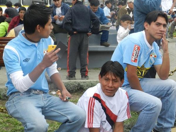 A golpe de vista en el Héroes de San Ramón, sorprendió la gran cantidad de hinchas con camiseta de Sporting Cristal. ¿Se habrán equivocado de estadio? (Foto: Aldo Ramírez / DeChalaca.com, enviado especial a Cajamarca)
