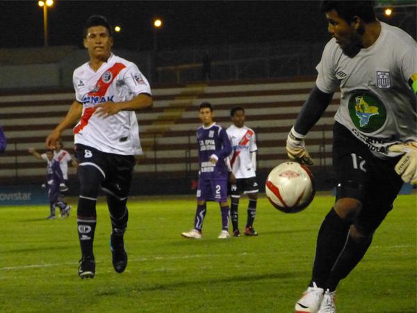 EL CAPO: Yeison Vinces se anotó con dos goles en el Callao para conseguir la remontada edil (Foto: José Salcedo / DeChalaca.com)