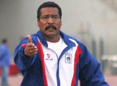 Carlos A. Mannucci quiere que el 2013 sea el intento definitivo por volver a Primera. Por lo pronto, Roberto Arrelucea se puso el buzo carlista. (Foto: diario Correo de La Libertad)