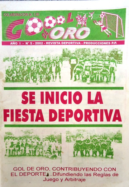 Portada de la edición N°5 de la revista Goool de Oro, dedicada al inicio de la Liga Distrital de Tarapoto 2002, en el primer año en que cubrió la Copa Perú (Recorte: revista Goool de Oro)