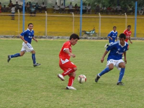 MANDA EN CASA. Próspero Merino derrotó a Deportivo Independiente en Morropón y sumó sus primeros puntos. (Foto: diario La Hora de Piura)