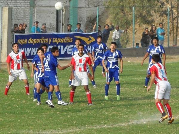 Garra Comeña vs. Atlético Perú (Foto: Marco Villaflor)