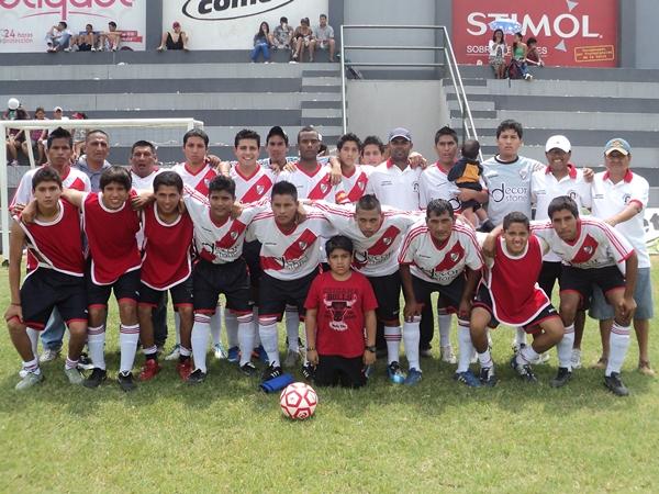 Juventud Santa Rosa (Campeón de San Borja) (Foto: Aldo Ramírez / DeChalaca.com)