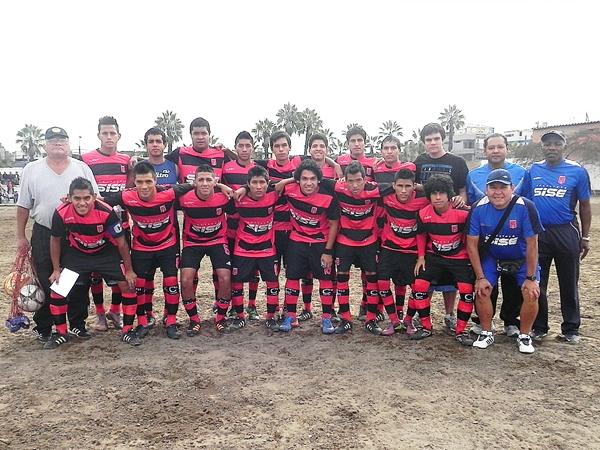 Cultural 13 de Enero (Campeón de San Juan de Miraflores) (Foto: Felix Paz)