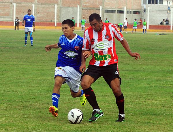 Como nunca antes la marca de Roy's Chicken se apreció durante la final de la Copa Perú por la amplia cobertura que generó el encuentro ante San Simón (Foto: Luis Chacón / DeChalaca.com)