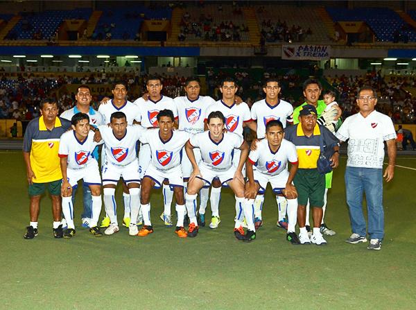 El CNI FC que clasificó a la Etapa Nacional 2013 de la Copa Perú (Foto: Fernando Herrera / DeChalaca.com)