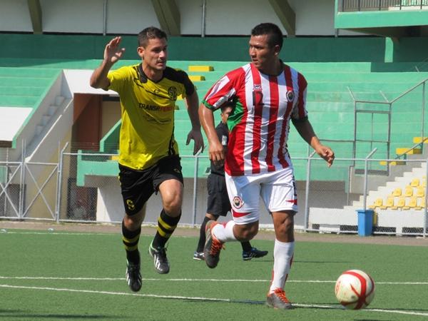 Deportivo Bancos y Loreto FC, los mejores representantes del fútbol de Ucayali en la última Copa Perú (Foto: Davidson Arce / DeChalaca.com)