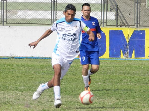 Juventud La Perla 6-0 Somos Aduanas (Foto: Aldo Ramírez / DeChalaca.com)