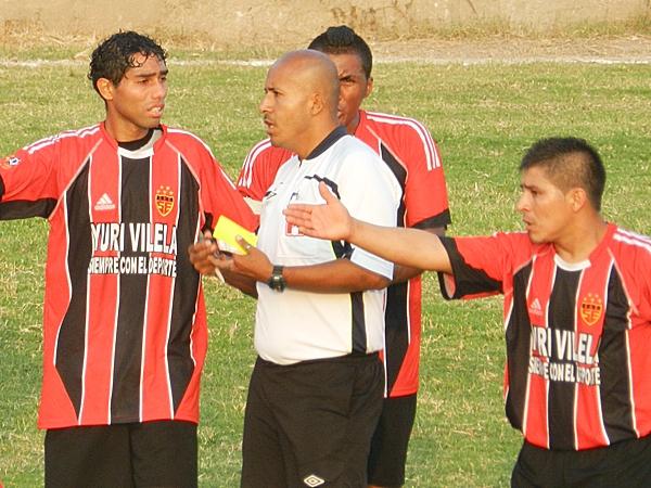 Aparentemente, Sporting Ermitaño desistió de participar en el Interligas por una cuestión de orgullo, tras perder la final ante el bisoño Social FC. (Foto: Aldo Ramírez / DeChalaca.com)