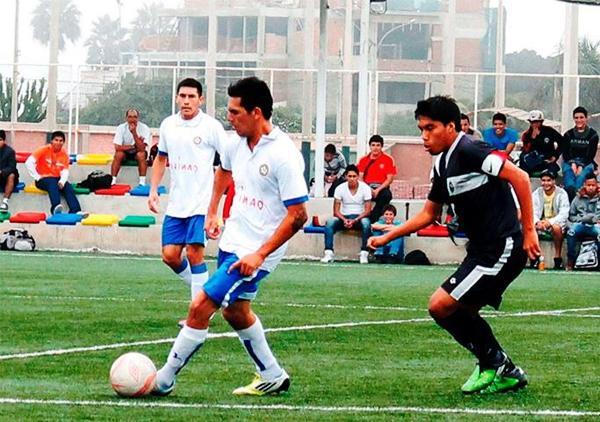 El Círcolo -a la izquierda- aún se mantiene en actividad dentro de la Copa Perú jugando en la Liga de San Isidro (Foto: Alonso Cantuarias / DeChalaca.com)
