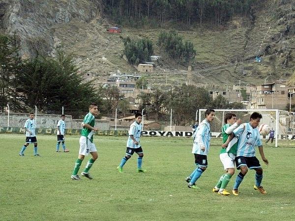 Racing y Municipal de Paucará disputaron la final departamental 2013 (Foto: Sachita)