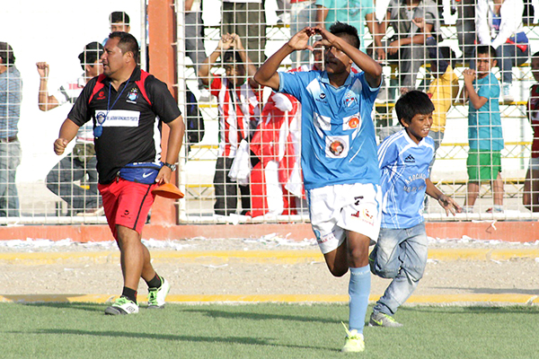 Yordy Reyes fue una de las grandes figuras este fin de semana en la goleada de Defensor La Bocana sobre Sport Loreto (Foto: Jhonatan Chapilliquén)
