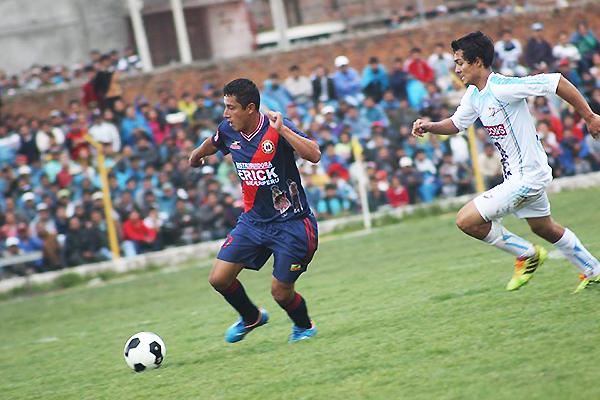 Fuerza Minera selló su pase a la gran final ganando a Sport Águila en Huancán. Antes de la caída del rayo iban 1-1; en la reanudación consiguió el 1-2 (Foto: Christian López Huároc)