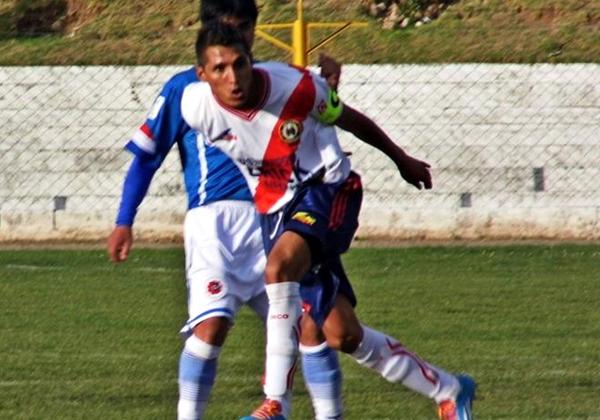 Su gran olfato goleador lo puso al servicio de Sport Águila. Más aún tras la separación de Jean Pierre Guzmán (Foto: Ronald Bernardo)