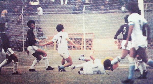 El partido ante Defensor Lima era crucial para ADT. Lo ganó con tanto de Luis 'Camachito' Camacho, con lo que desplazó a los granates del primer lugar. (Recorte: diario La Crónica)