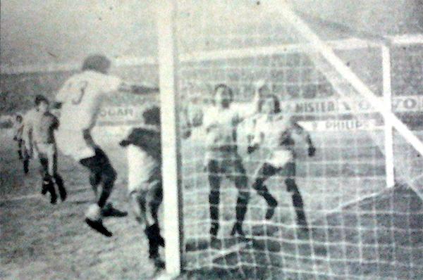 Un cabezazo de Ángel Fuentes salvó el empate para ADT en un complicado encuentro ante un favorito como Deportivo Garcilaso. (Recorte: diario La Crónica)