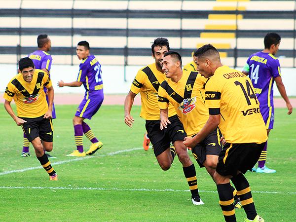 Jugadores como Roque y Ceballos cambian de aires. No obstante, Cantolao seguirá apostando por gente joven. (Foto: Luis Chacón / DeChalaca.com)