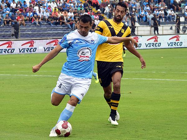 Benites fue pilar clave en la defensa sechurana. (Foto: Raúl Chávarry / DeChalaca.com)