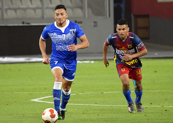 Vílchez fue la figura de Hualgayoc en la goleada sobre Racing. (Foto: Pedro Monteverde / DeChalaca.com)