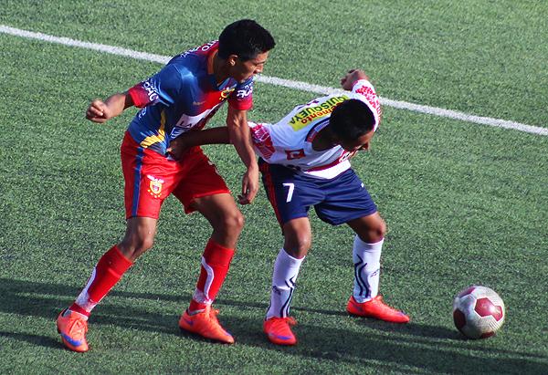 La llave más apretada en el papel tuvo un sorprendente 4-0 a favor de Racing. (Foto: Martín Tandaypán)