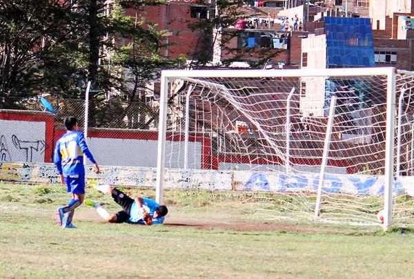UDA hizo los goles, pero le faltó uno para llegar a cuartos de final. (Foto: Raúl Zubilete / diario Correo de Huancavelica)