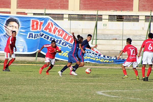 Lo que iba a ocurrir con Octavio Espinosa y San José de Agua Blanca pudo ser una aberración al reglamento de la Copa Perú de parte de su mismo directorio. Por fortuna el tema se arregló, pero más por presión mediática