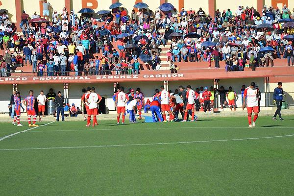 Lo hecho por los jugadores del San Pedro de Pataz durante su enfrentamiento ante el Racing de Huamachuco durante la Etapa Departamental fue digno de una escena de circo