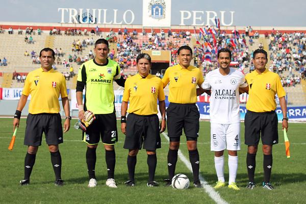 Molina se convirtió en referente de Walter Ormeño desde la Segunda. (Foto: prensa Carlos A. Mannucci)
