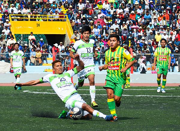 Credicoop San Román y SIEN tuvieron que jugar un partido extra para definir al segundo clasificado de Puno a la Nacional. Los de Macusani fueron los ganadores. (Foto: David Ramos / diario Los Andes)