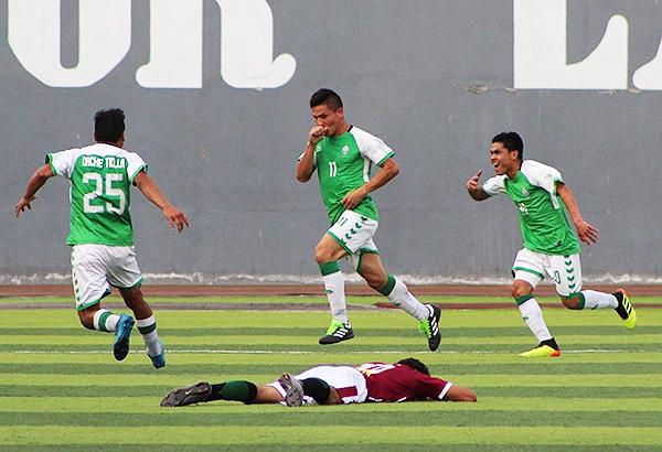 Yerzon Martínez celebra el tanto que, en definitiva, aseguró el pase de Las Palmas. (Foto: Fernando Gutiérrez / diario Los Andes)