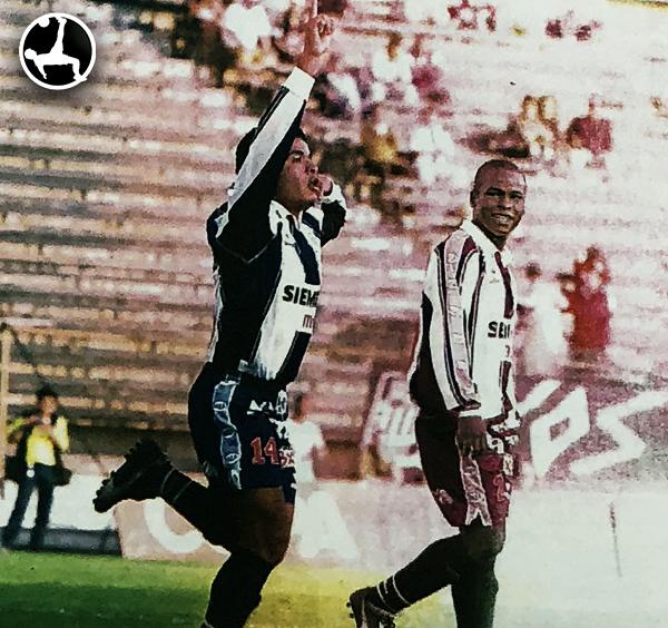 Juan Carlos Portilla en el día de su debut ante Estudiantes de Medicina. Llegó el día esperado con gol. (Recote: diario El Bocón)