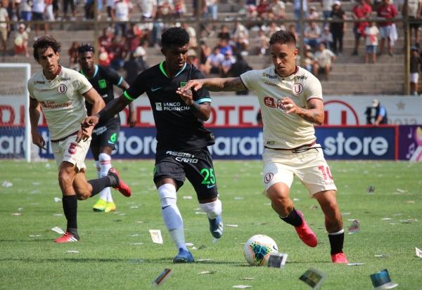 El último clásico permitió que Universitario le sacara 41 puntos de diferencia a Alianza Lima en su particular lucha en la Tabla Histórica. (Foto: Fabricio Escate / DeChalaca.com)