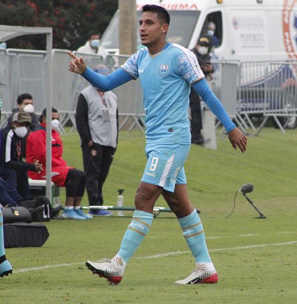 Valera celebra su tanto. El zurdo, goleador en Copa Perú, convirtió su primera anotación profesional en el pórtico de Grau. (Foto: Diego Urbina / DeChalaca.com)