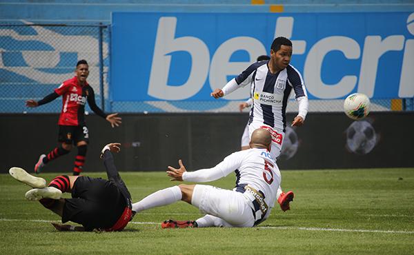 Cornejo, ex Unión Huaral, fue determinante para que los íntimos rescataran el punto y el invicto de Mario Salas en el torneo. (Foto: Prensa FPF)