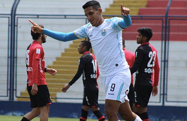 Valera celebrando su gol: una escena que se hace costumbre en la Liga 1. (Foto: Pedro Monteverde / DeChalaca.com)