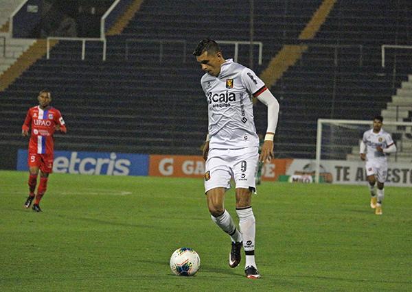 El mexicano Arce volvió por sus fueros en Matute y no solo anotó, sino que fue el mejor de Melgar y del partido. (Foto: Fabricio Escate / DeChalaca.com)