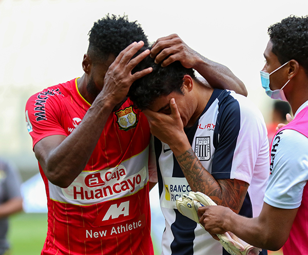El llanto de Beltrán tras perder contra Huancayo es un ícono de la catastrófica temporada íntima. (Foto: Pedro Monteverde / DeChalaca.com)