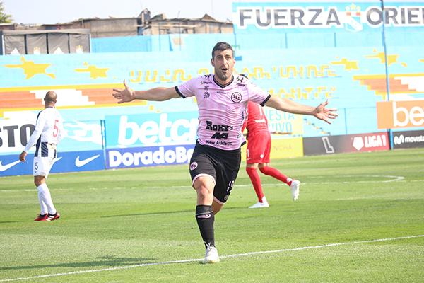 Con sus goles a Alianza Lima, Penco consumó un año notable con la salvación rosada como la cereza de la torta. (Foto: Fabricio Escate / DeChalaca.com)
