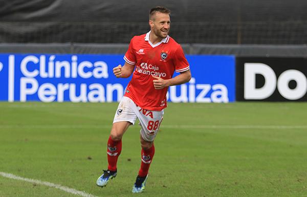 Carando vivió una jornada de ensueño en su estreno con la camiseta del otro club cusqueño. (Foto: Prensa FPF)