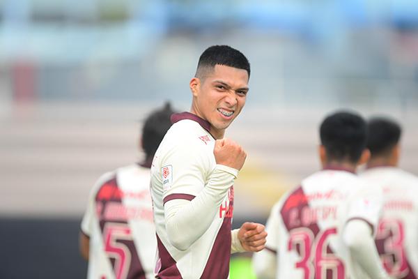 Barreto celebra su gol, el que abrió la cuenta e insinuó mejores cosas para la 'U'. (Foto: Prensa FPF)