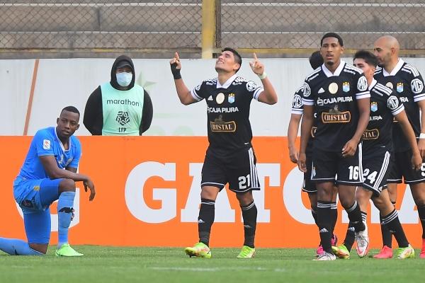 Ávila celebra su gol, que cerró la victoria cervecera. El 'Cholito' fue el mejor de la tarde en el Monumental. (Foto: Prensa FPF)