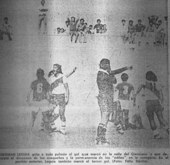 Orozco decreta el gol edil y Leguía lo grita con toda el alma (Recorte: Expreso, 19/12/77 p. 24)
