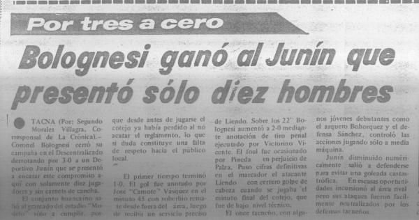 Nota periodistica que hace referencia a la presentación de Deportivo Junín con solo diez jugadores para su cotejo ante Bolognesi en Tacna, por la última fecha del Descentralizado 1981 (Recorte: diario La Crónica)