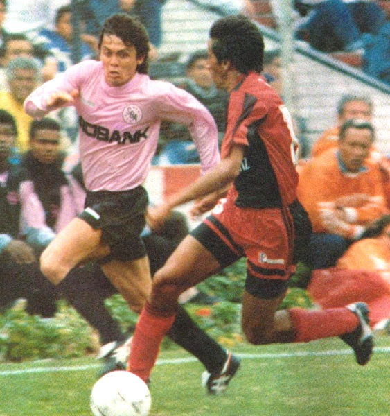 El brasileño Marquinho dejó huella en el fútbol peruano, sobre todo en Sport Boys, en el que obtuvo dos subtítulos nacionales (Recorte: revista Estadio)