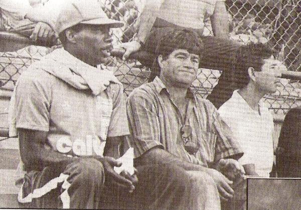 Miguel Ángel Arrue con un rostro bastante preocupado durante aquel Alianza Lima - Cienciano de 1992. El chileno se reivindicó al año siguiente (Recorte: revista Estadio)