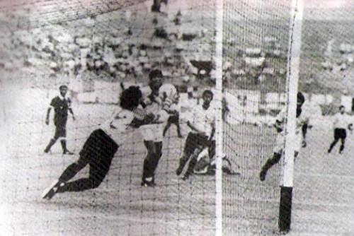 El 7-1 que Boys le propinó en la primera fecha fue un presagio de la mala campaña que iba a culminar con UTC perdiendo la categoría (Recorte: revista Estadio)